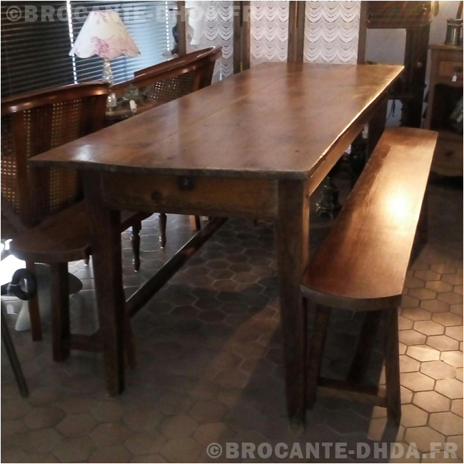 Ancienne Grande Table De Cafe D Hier D Aujourd Hui
